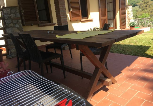 Apartment in Montescudaio - Casina Elena ingresso e giardino privato
