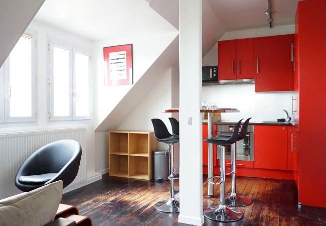 Apartment in Paris ville - avenue François 1er 75008 Paris - 208081