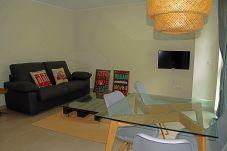 Apartment in Santa Coloma - Prat Condal***, 2/4 (4t 5a)