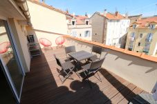 Apartment in Cannes - Penthouse 1 bedroom rue d'Antibes 214