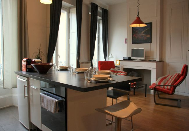 Apartment in Lyon - Sathonay - Appart'Ambiance