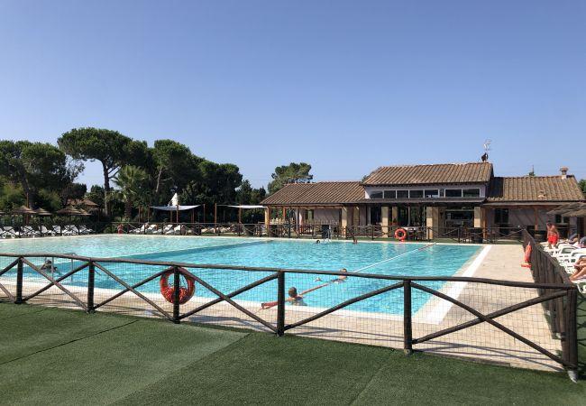 Apartment in Cecina - Bilocale con piscina vicino al mare 3 km Cecina