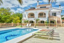 Villa en Calpe - VILLA SINDI