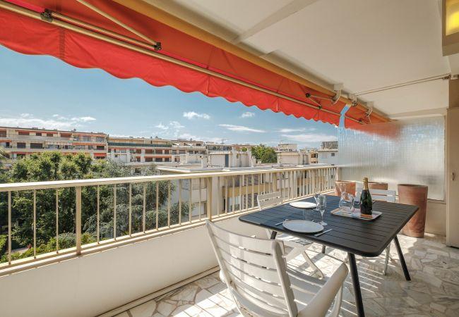 Appartement à Cannes - Fontaine 2p Rue Cirrode