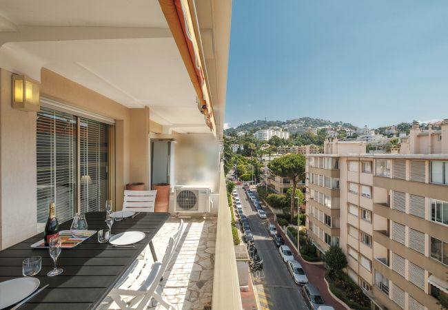 Appartement à Cannes - Fontaine 2p Rue Cirrode