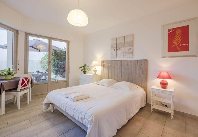 Appartement à Cannes - Delacourt Studio Rdj Le Puget