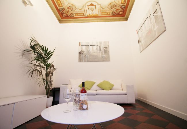 Appartement à Roma - Stone and frescos at Spanish Steps