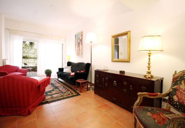 Appartement à Roma - Charming Garden Retreat near Vatican